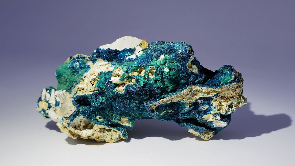 Veszelyite on Hemimorphite from Laochang Mine, Yunnan, China