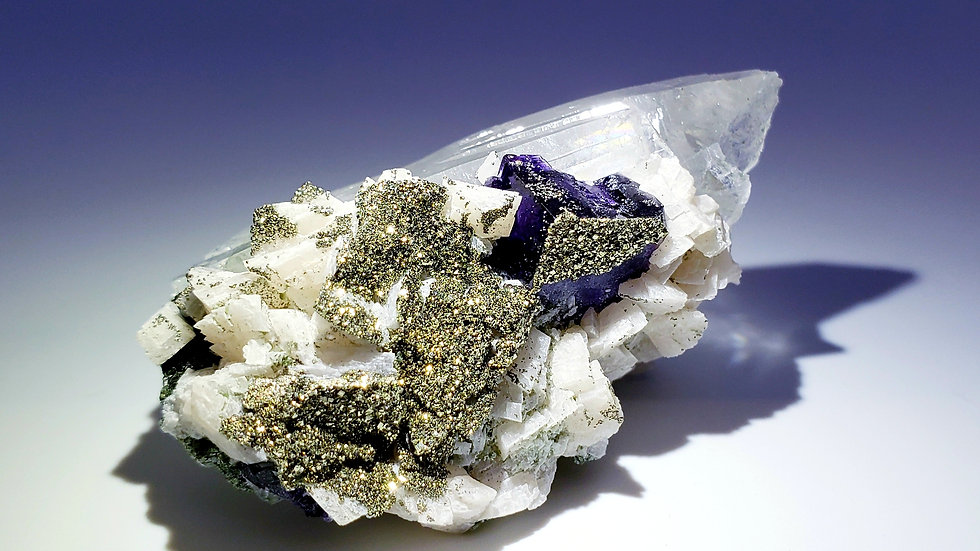 Pyrite, Dolomite, Fluorite, Quartz and Epidote from Yaogangxian Mine