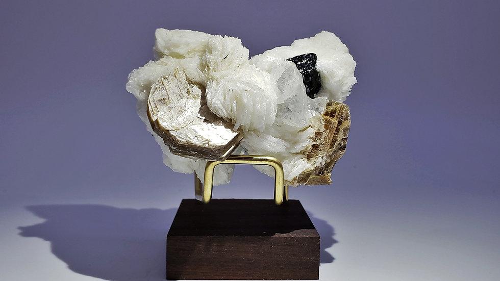 Beryl var. Goshenite, Schorl, Muscovite and Albite from Drot Valley, Pakistan