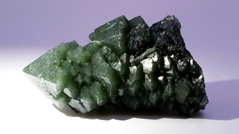 Twin Hedenbergite Included Quartz (Prase Quartz) from Huanggang Mine