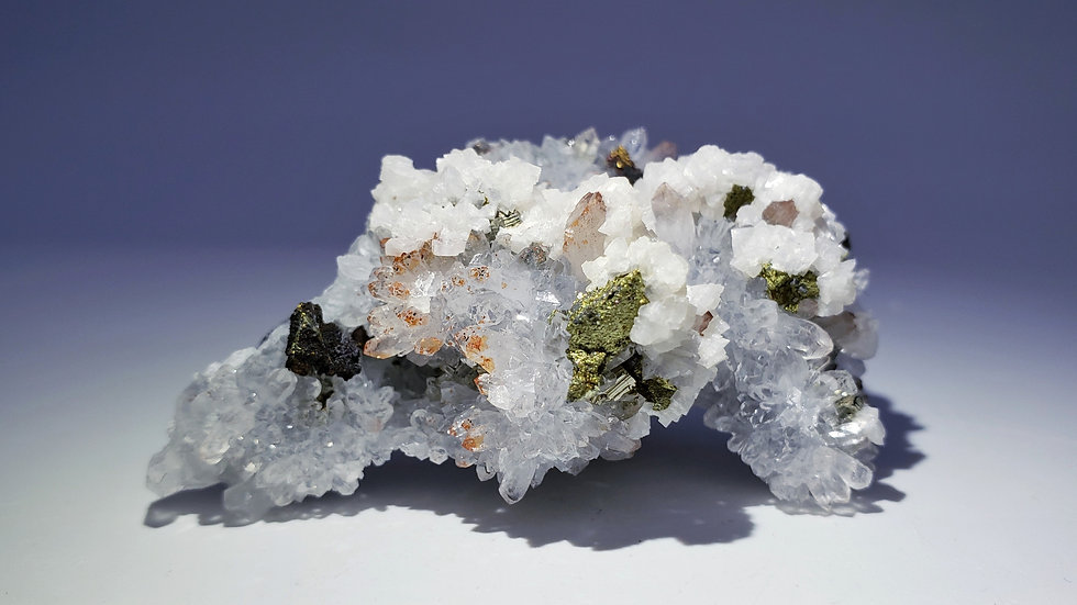 Red Hematite Quartz with Chalcopyrite, Dolomite and Pyrite from Dongxiang Co.