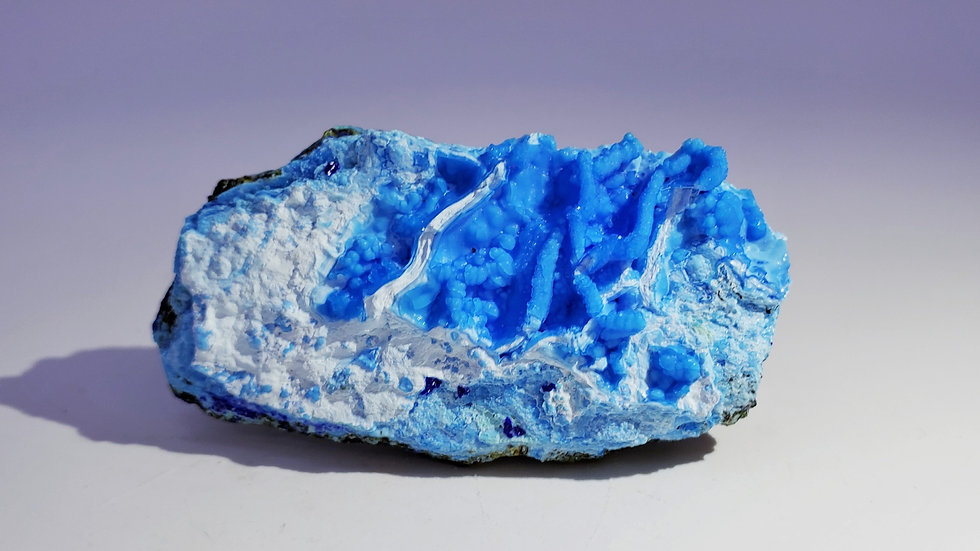 Collector's Piece: Gibbsite with Azurite and Goethite from Yangwan Cu deposit