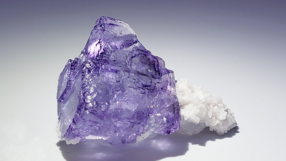 Fluorite with Quartz and Dolomite from Yaogangxian Mine