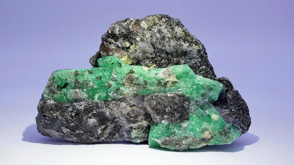 Collector's Piece: Beryl var. Emerald in Quartz from Dayakou Emerald Mine