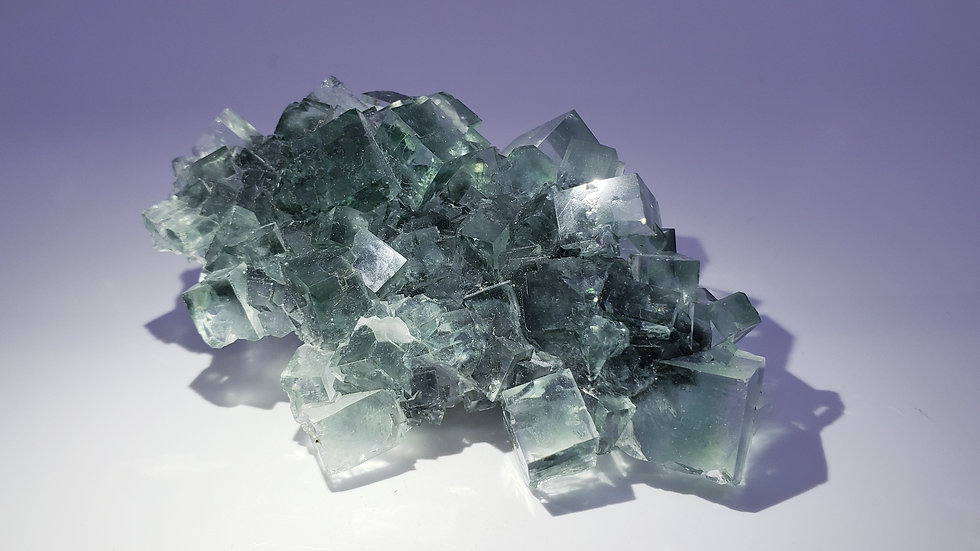 Intense Sea-green Fluorite from Xianghuapu Mine