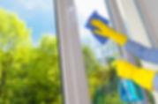 nettoyage de vitres fenêtres services à la personne mise à disposition salariésTremplin 95 Domont solidaire