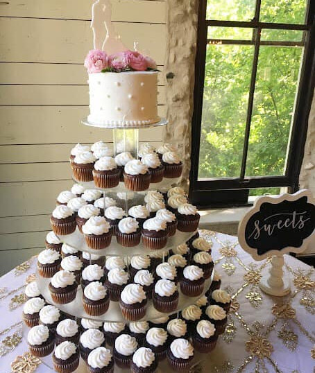 Wedding Cake (205).jpg