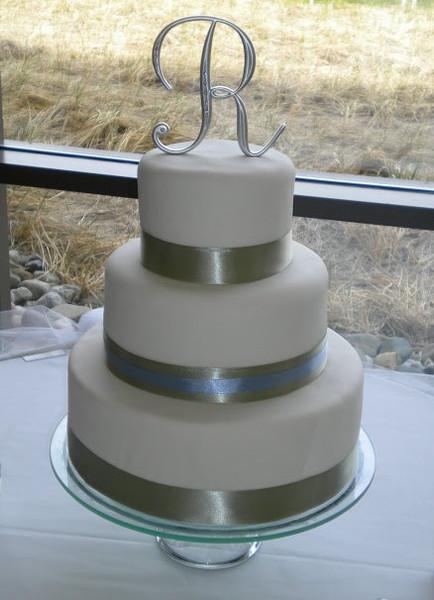 Simple Fondant Wedding Cake