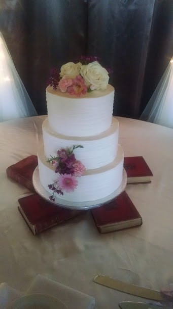 Book theme cake