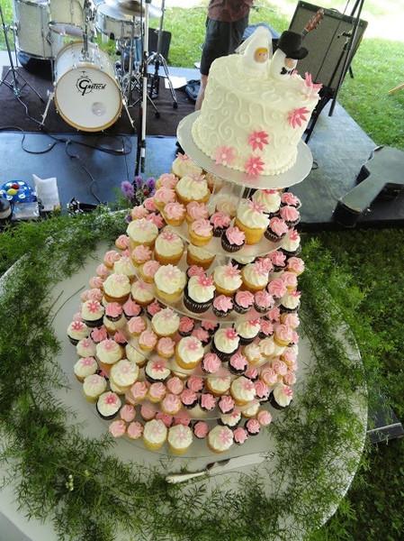Mini Wedding Cupcakes