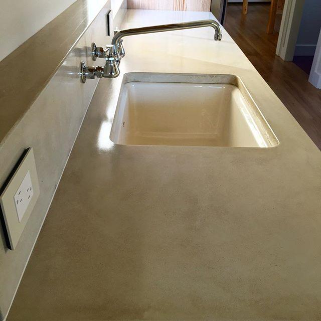 #concretecountertops #interiordesign #originalconcretedesign #kitchencounter #ocdconcrete