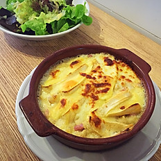 La Tartiflette (servie avec salade verte)