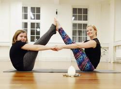 anna yoga 3_edited