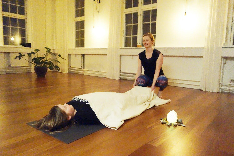 anna yoga1_edited