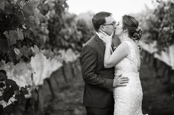 bride groom wedding linganore winecellars frederick md