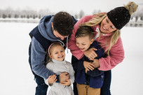 Snowy Day Family Portraits | Middletown, MD