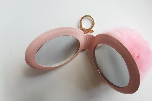 Bijou de sac boule de poil et miroir