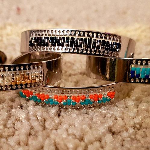 bracelet jonc plat argenté avec perles Miyuki