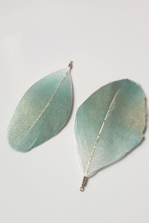 La grande paire de plumes  vert et doré  avec attache doré