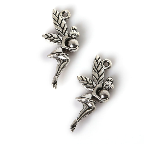 Breloque petite fée en métal argenté