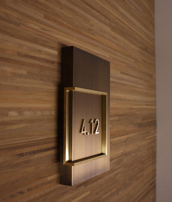 Wegleitsystem Zimmerbeschriftung Messing Brass Luzern