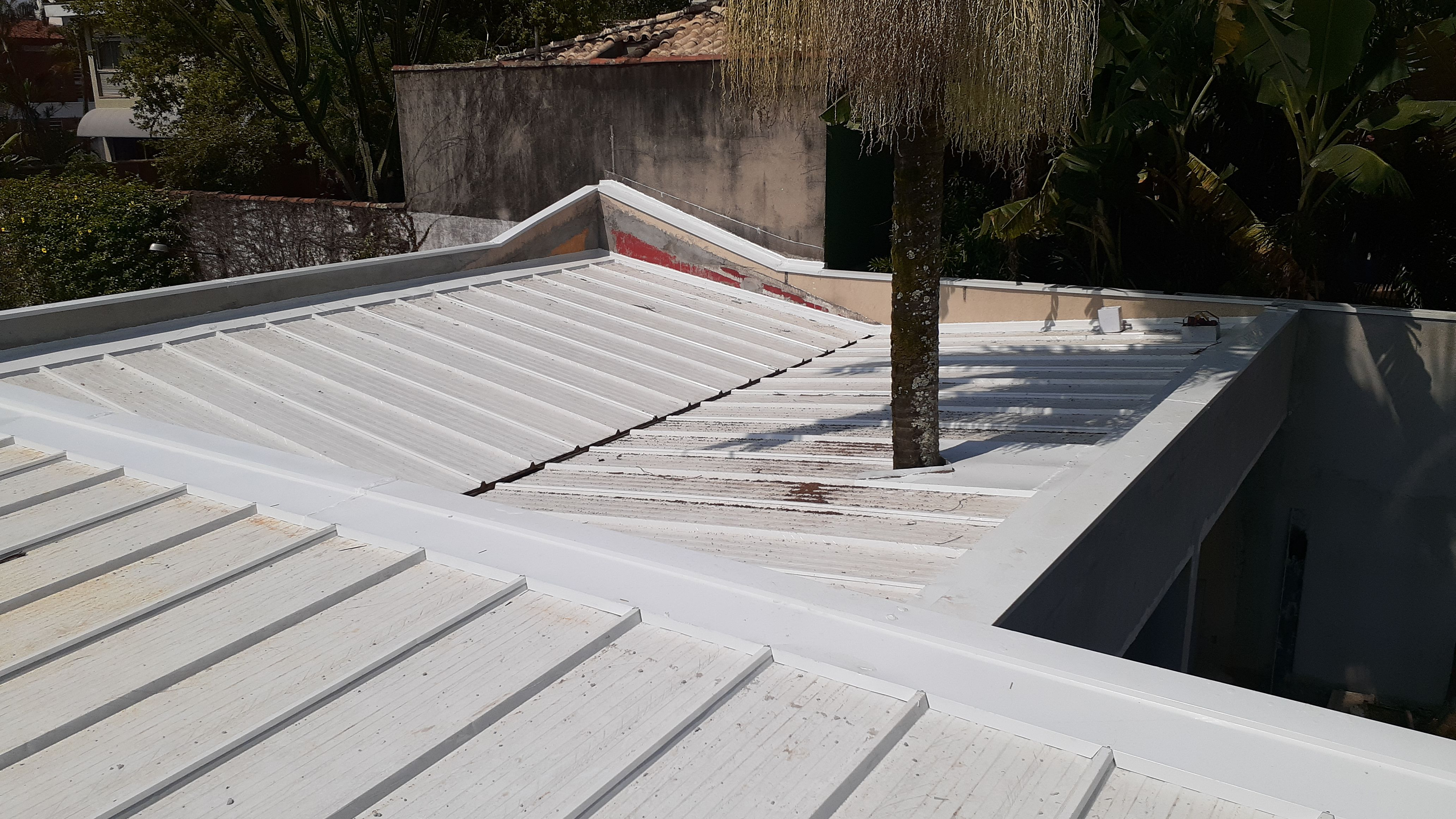 Rufos pingadeira e acabamentos para telhados