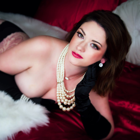 Why Your Boyfriend Doesn't Deserve Your Boudoir Photos