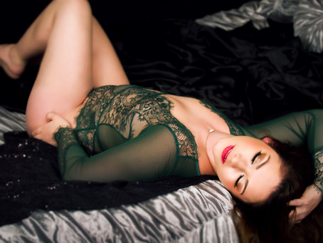 10 Things To Bring To A Boudoir Session