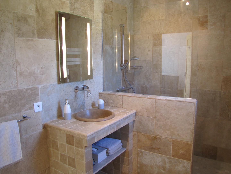 cote vignes salle de bain.JPG