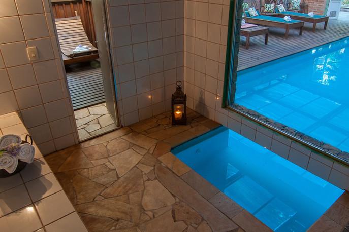 Piscina-sauna Estalagem Wiesbaden.jpg