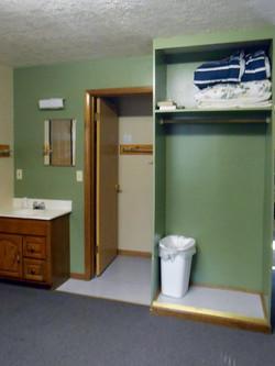 Oak Hill Cabin Bathroom