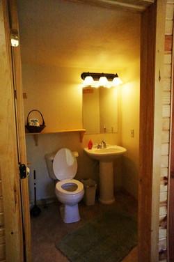 Apache Cabin Bathroom
