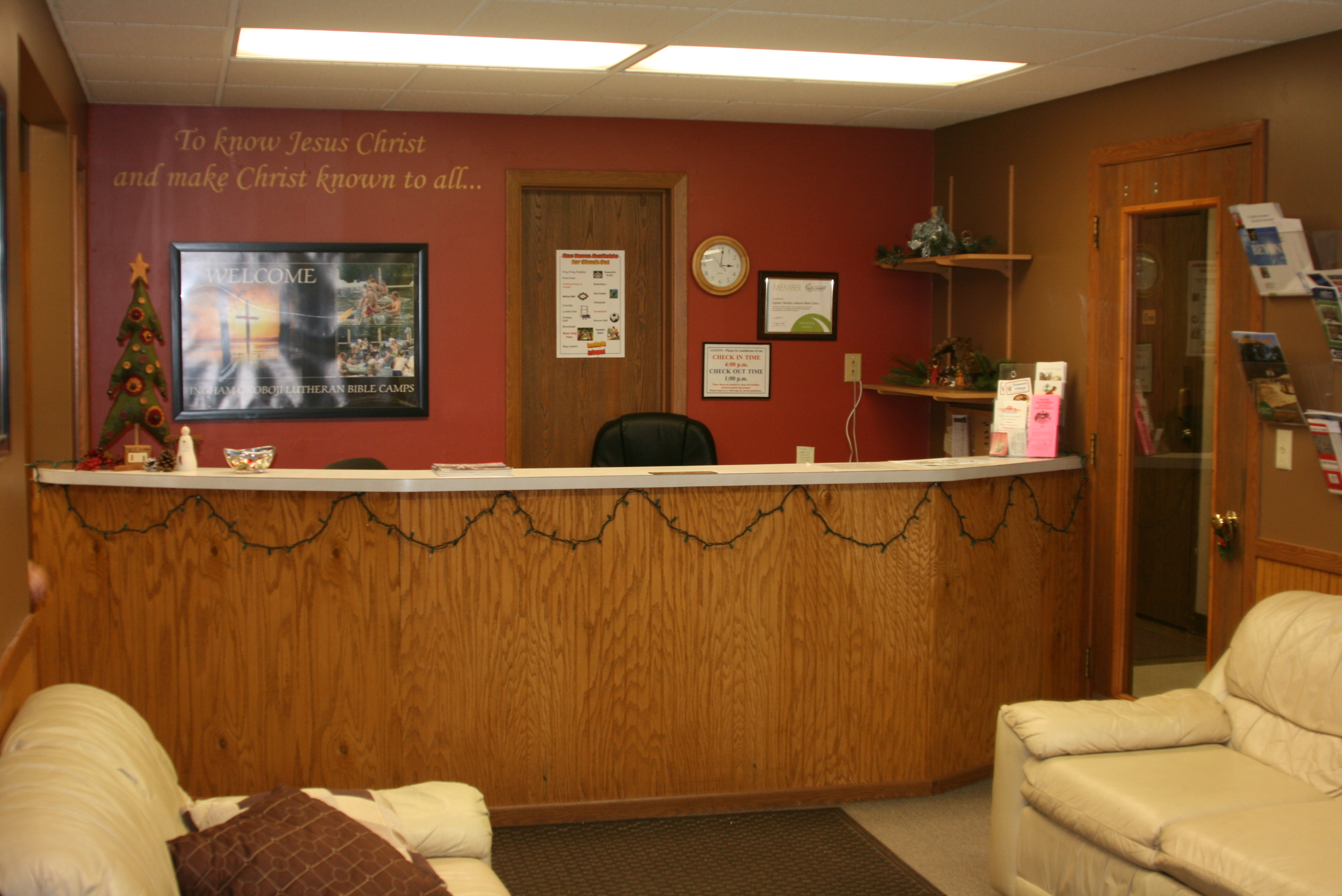 Welcome Center Room and Desk