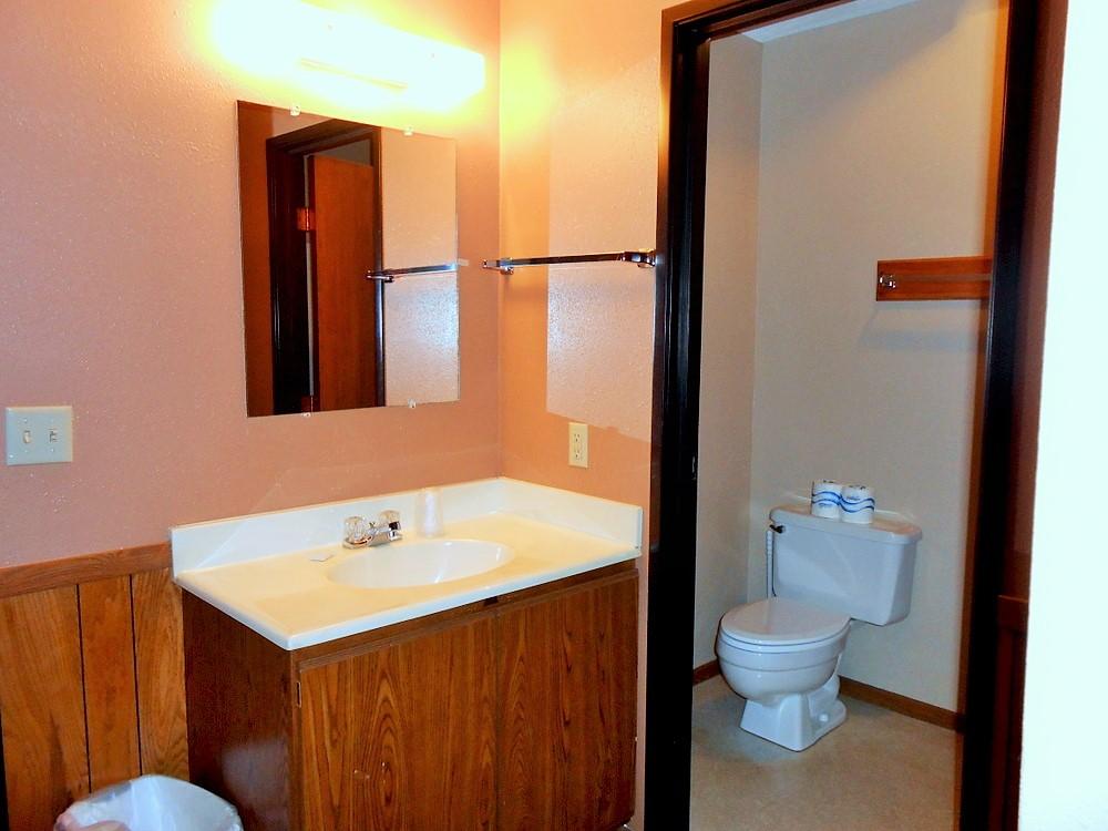 Altahaus Standard Bathroom