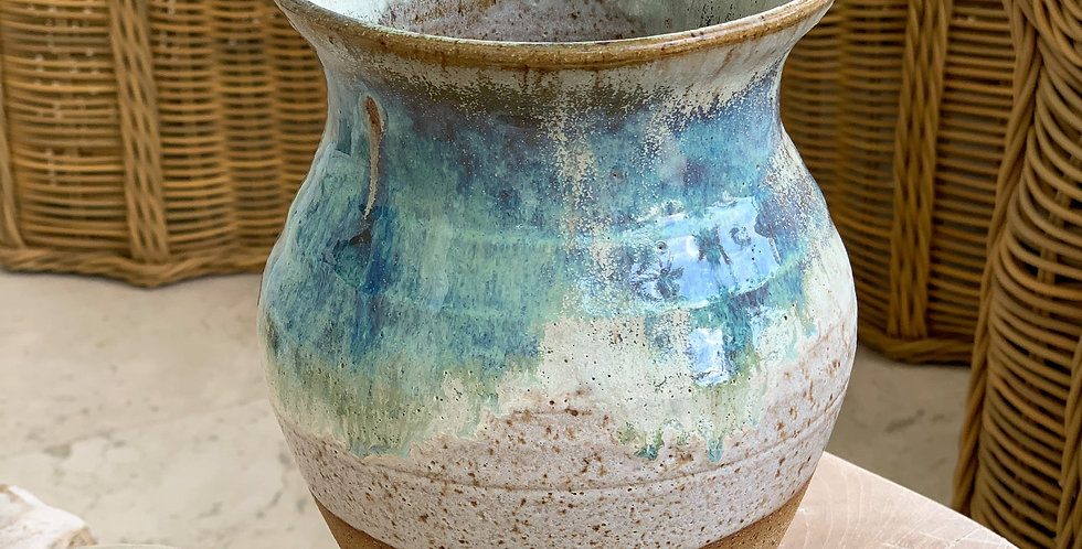Sea biscuit vase
