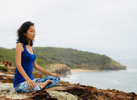5 amazing health benefits of yin yoga         (and why you should make time for it right now)