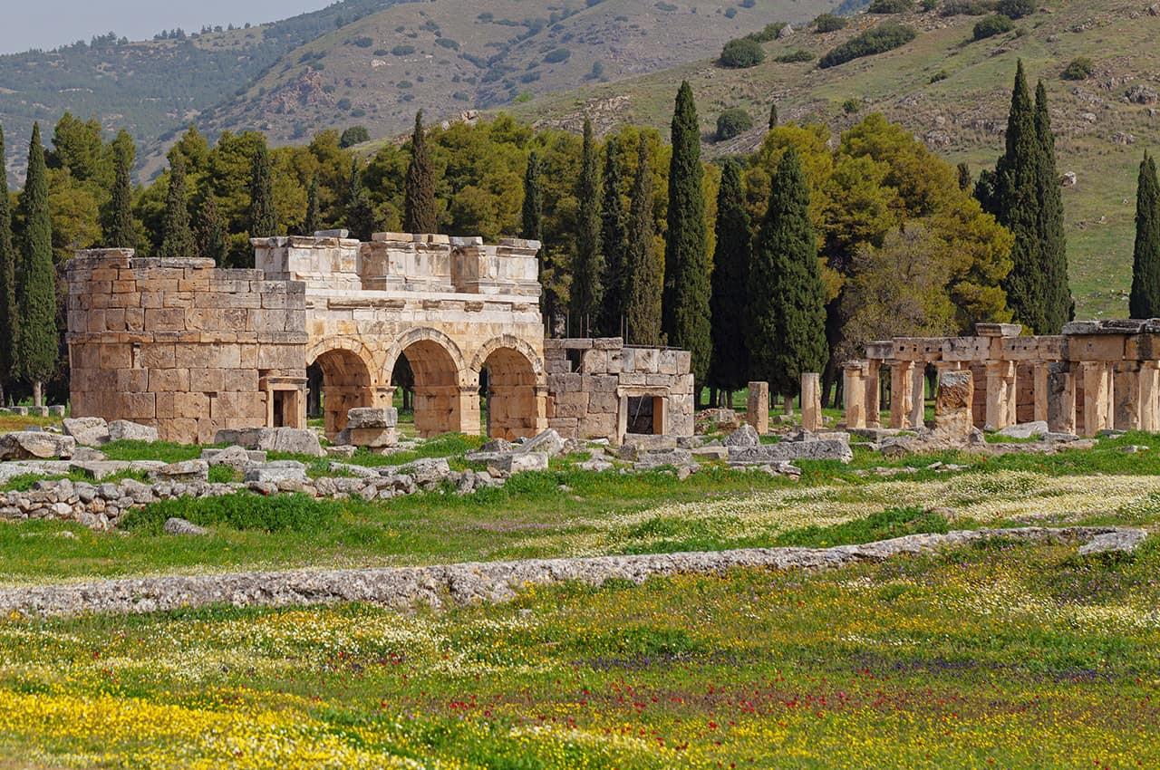 Ruínas_da_antiga_cidade_de_Hierápolis_-_