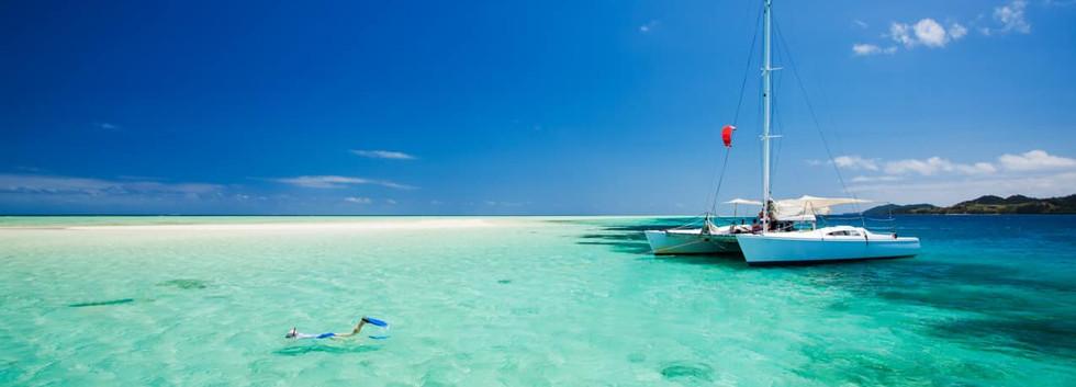 Atividade_mergulho_catamarã,_Ilhas_Fiji.