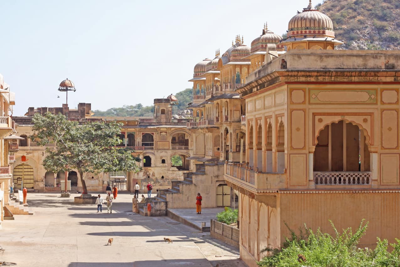 Templo_hindu,_Jaipur,_Rajastão,_Índia.jp