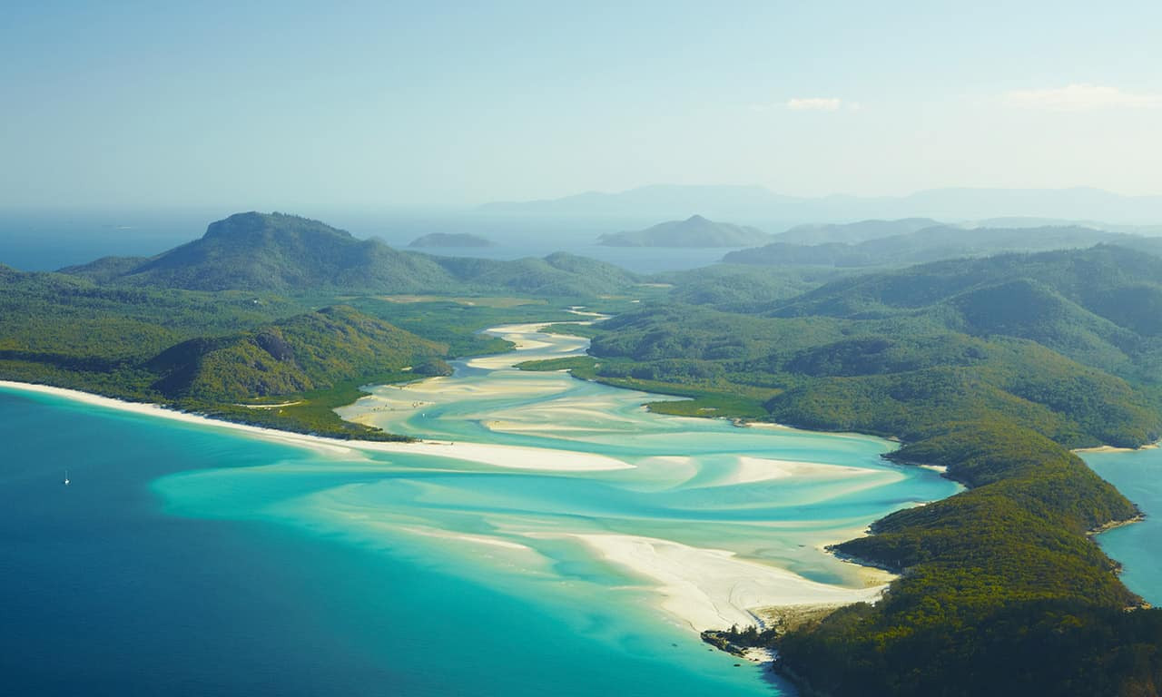 Whitehaven Beach, Whitsundays Islands.jp