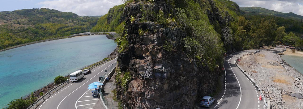 Estrada em U - Ilhas Mauricio.jpg