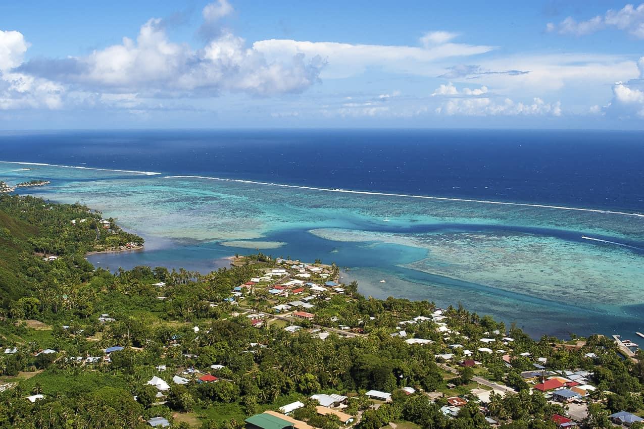 Vista_aérea_Opunohu_Bay_destino_Papeete_
