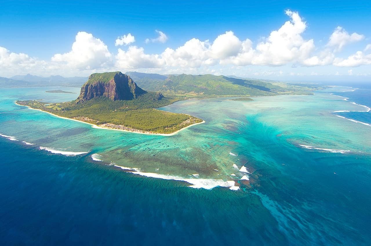 Vista_aérea_-_Ilhas_Mauricio.jpg