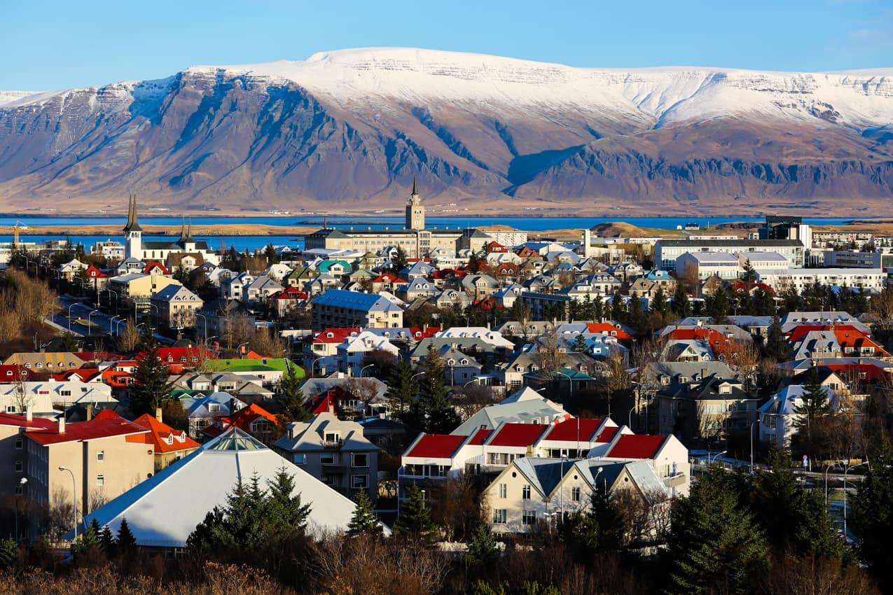 Vista_aérea_Reykjavik_inverno,_Islândia.