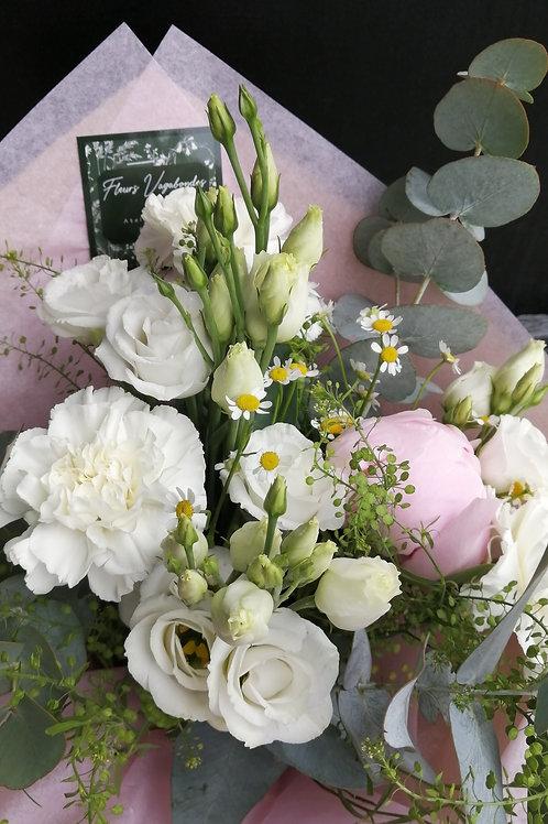 Bouquet champêtre blanc avec une invitée ! ~ 3 tailles