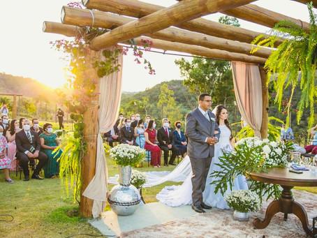 Casamento intimista domingo à tarde no Sítio Malícia