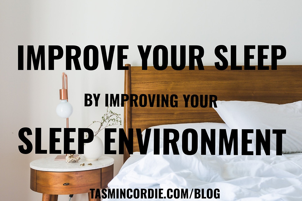 White bed and proper sleep conditions to avoid insomnia