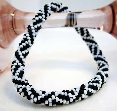 Bead Crochet Bracelet, Illusion