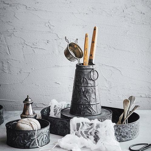 Vintage Metal Tray Antique Wrought Iron Set Vase Decoration Round Bread Plate