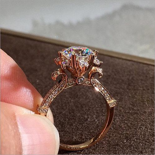 Women's Faux Diamond 2 Karat Crown Six Around A Flower-Shaped Ring